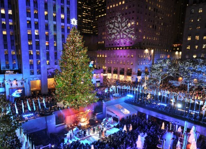 The Rockefeller Center Christmas Tree is lit November 28, 2012 in New York. AFP PHOTO/Stan HONDA        (Photo credit should read STAN HONDA/AFP/Getty Images)